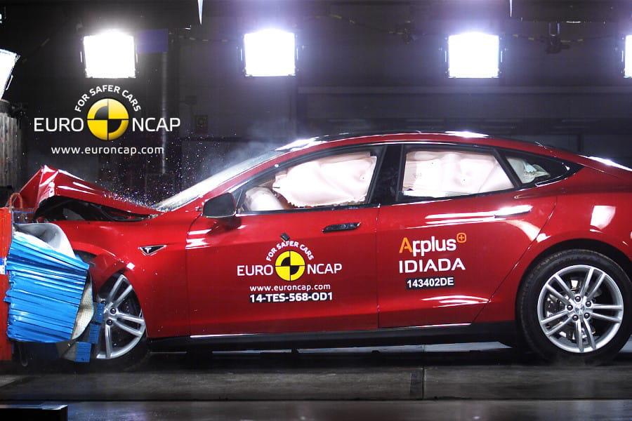 tesla model s 2014 crash test les voitures les plus s res selon euro ncap classement 2014. Black Bedroom Furniture Sets. Home Design Ideas