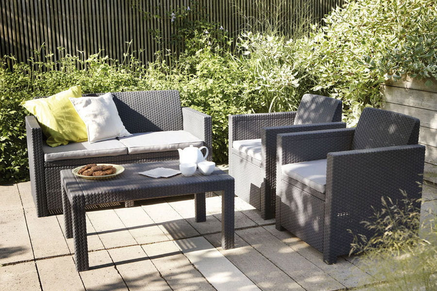 une terrasse en r sine 20 terrasses dans l 39 air du temps linternaute. Black Bedroom Furniture Sets. Home Design Ideas