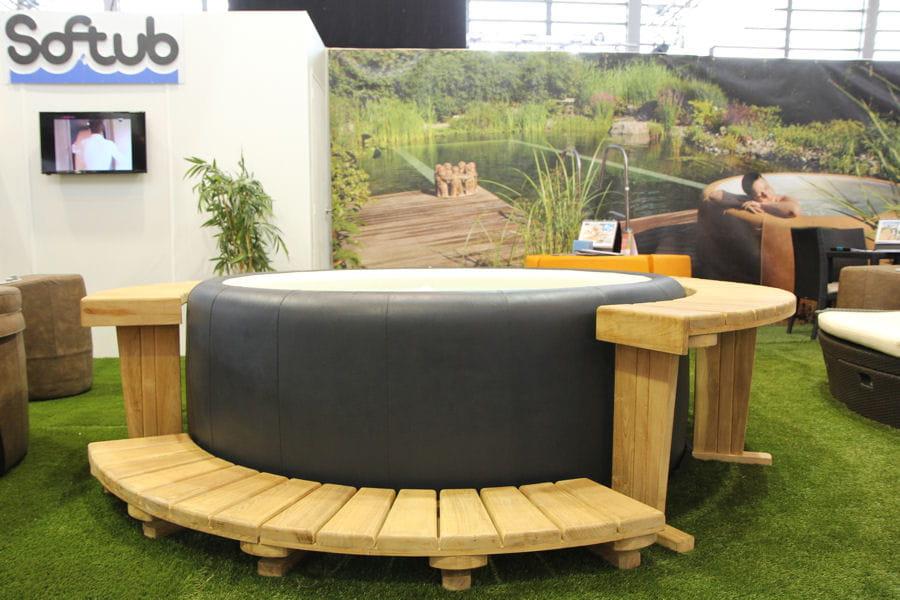 softub le spa nomade haut de gamme spa et piscine les nouveaut s et tendances 2015. Black Bedroom Furniture Sets. Home Design Ideas