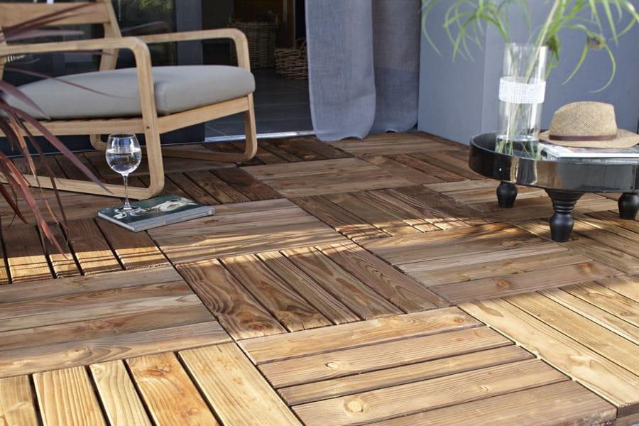 Poser des caillebotis des astuces d co pour la terrasse ou le jardin linternaute - Terrasse jardin caillebotis ...
