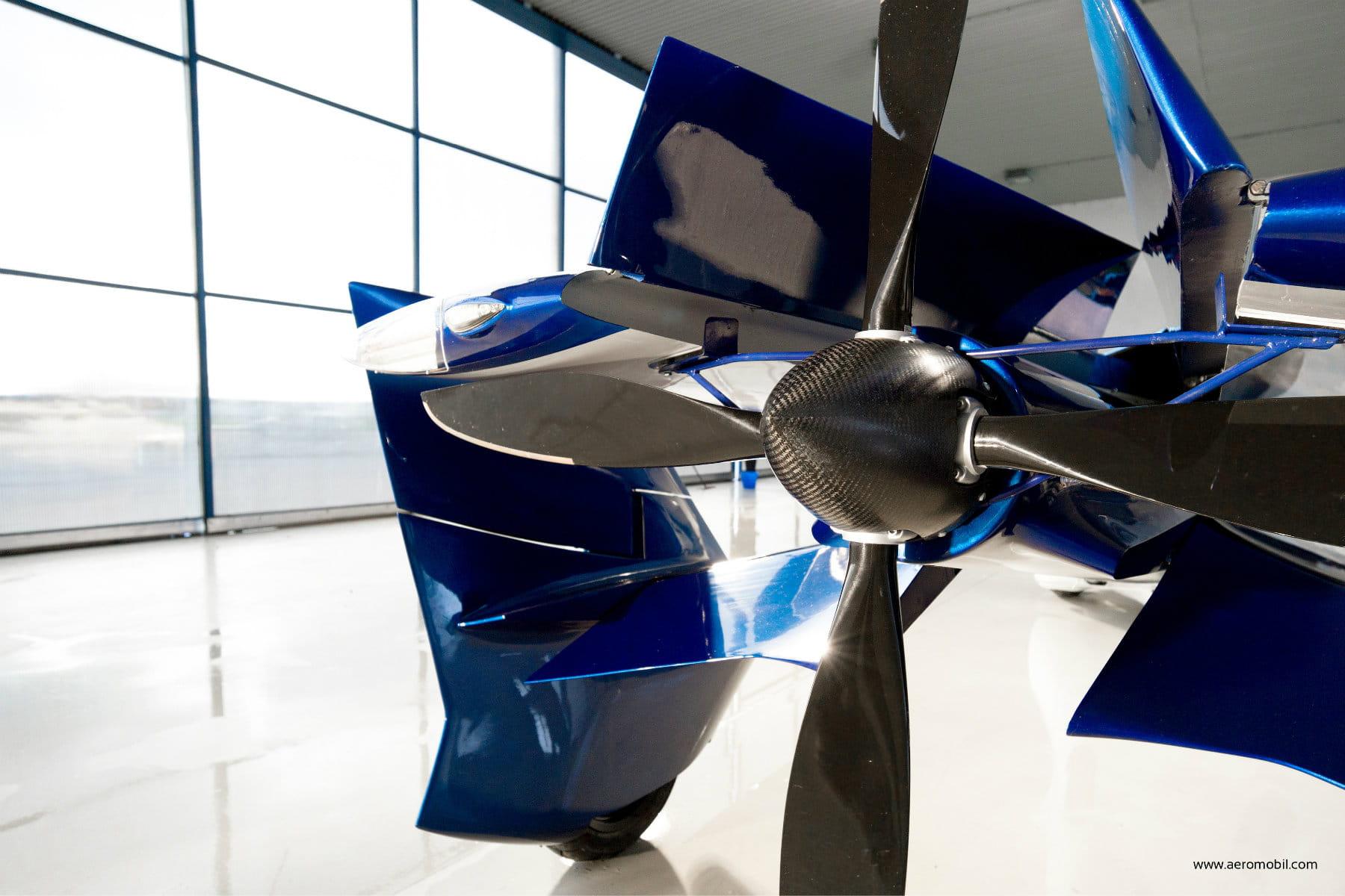 un moteur h lice aeromobil prix concept crash tout savoir sur la voiture volante. Black Bedroom Furniture Sets. Home Design Ideas