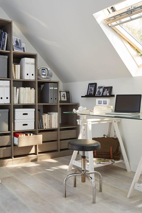 un bureau bien rang de bonnes id es pour am nager vos combles linternaute. Black Bedroom Furniture Sets. Home Design Ideas