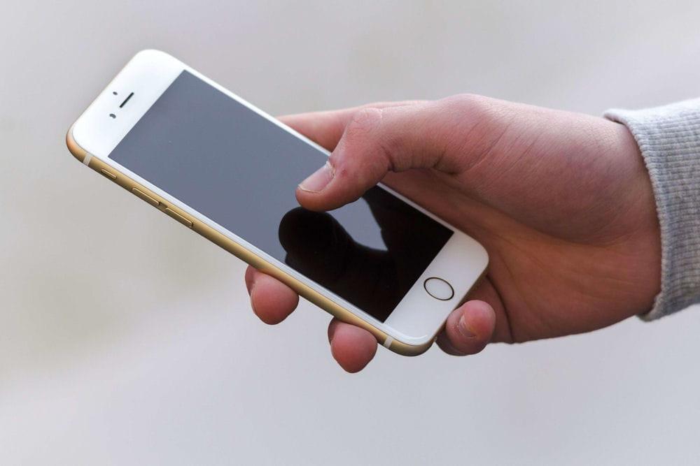 iphone 6s on conna t peut tre le prix des futurs iphone. Black Bedroom Furniture Sets. Home Design Ideas