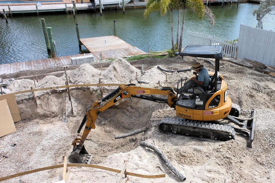La construction de la piscine la construction d une for Construction piscine 54