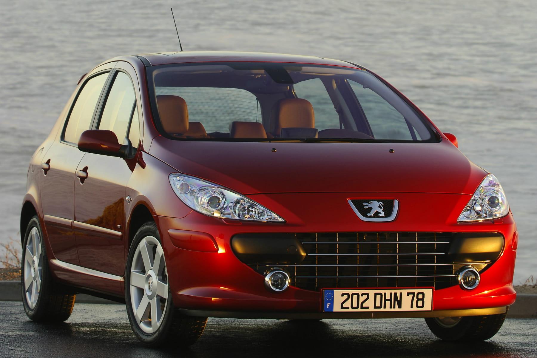 9e peugeot 307 occasion le top 10 des voitures les plus vendues linternaute. Black Bedroom Furniture Sets. Home Design Ideas