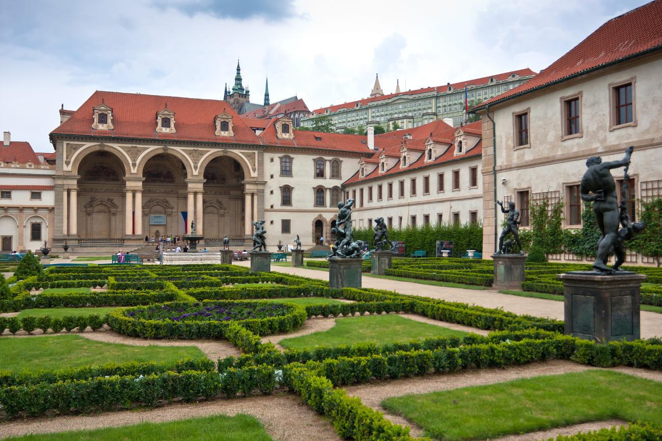 Le jardin vald tejnsk dans le quartier de mal strana for Jardin wallenstein