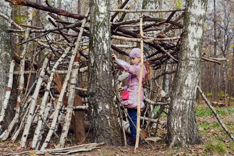Construire une cabane for Plan cabane d enfant