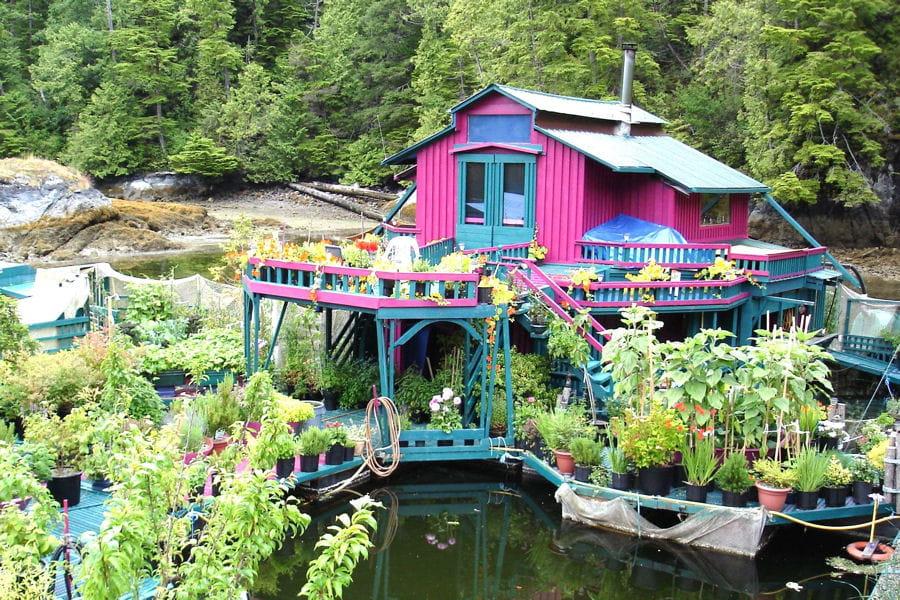 La maison le ces surprenantes maisons en pleine nature for Maison en pleine nature
