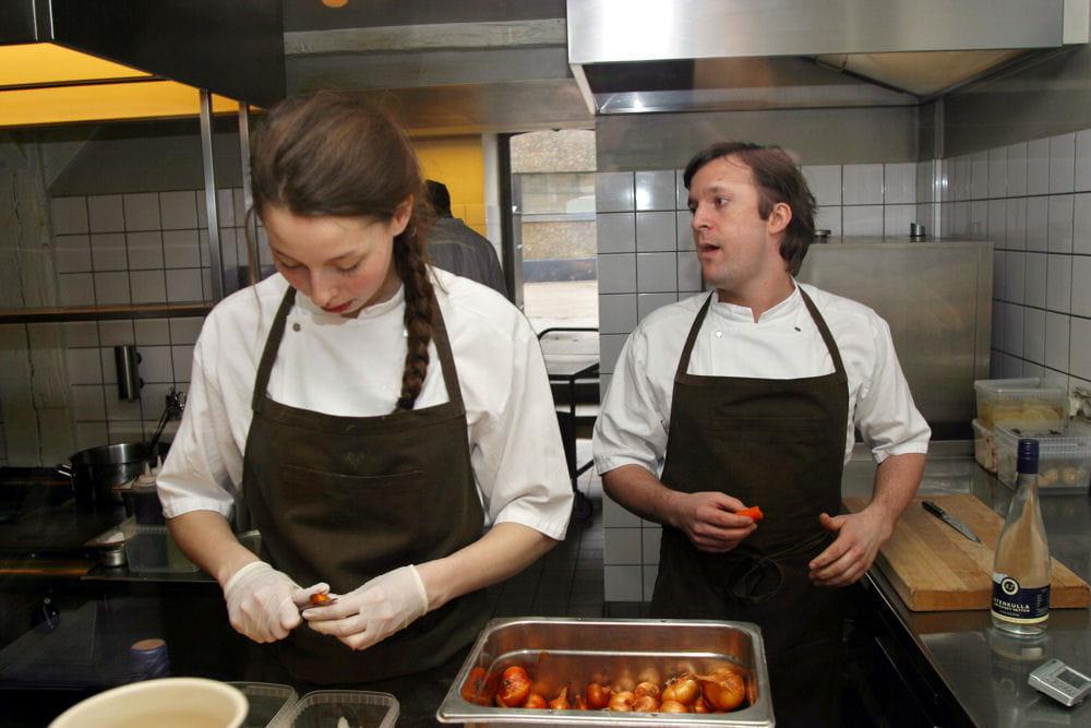 Scandales en cuisine de c l bres restaurants au coeur de for Au coeur de la cuisine