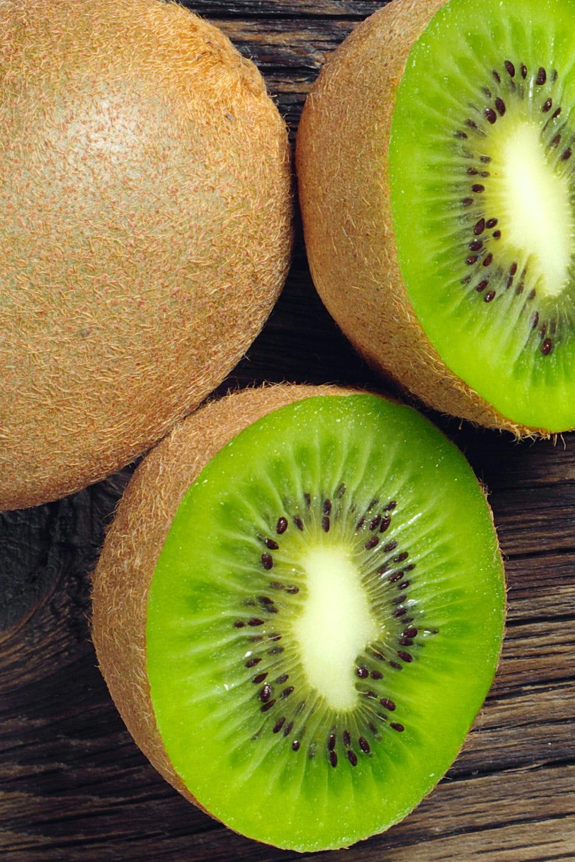 le kiwi champion de la vitamine c alimentation mais que peut on encore manger sans trop. Black Bedroom Furniture Sets. Home Design Ideas
