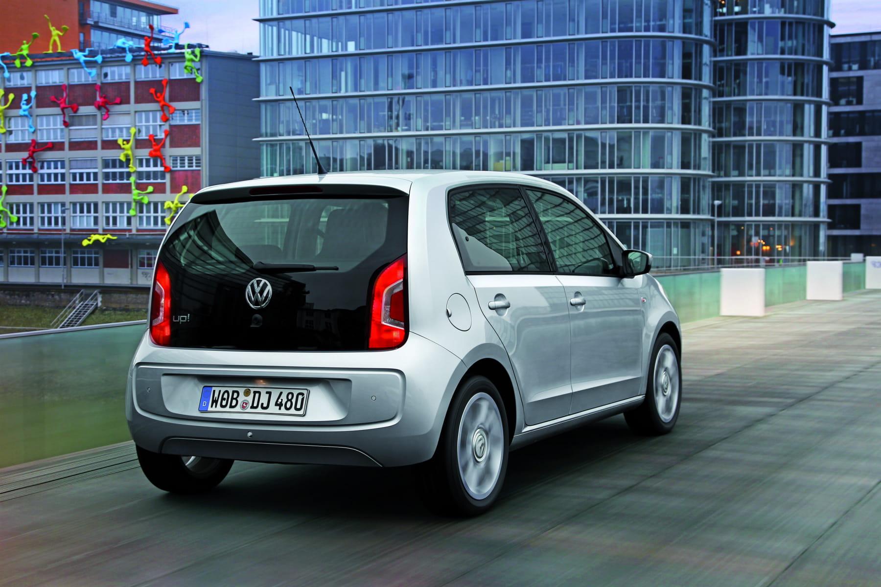 volkswagen up 338 euros assurance auto les voitures les moins ch res linternaute. Black Bedroom Furniture Sets. Home Design Ideas
