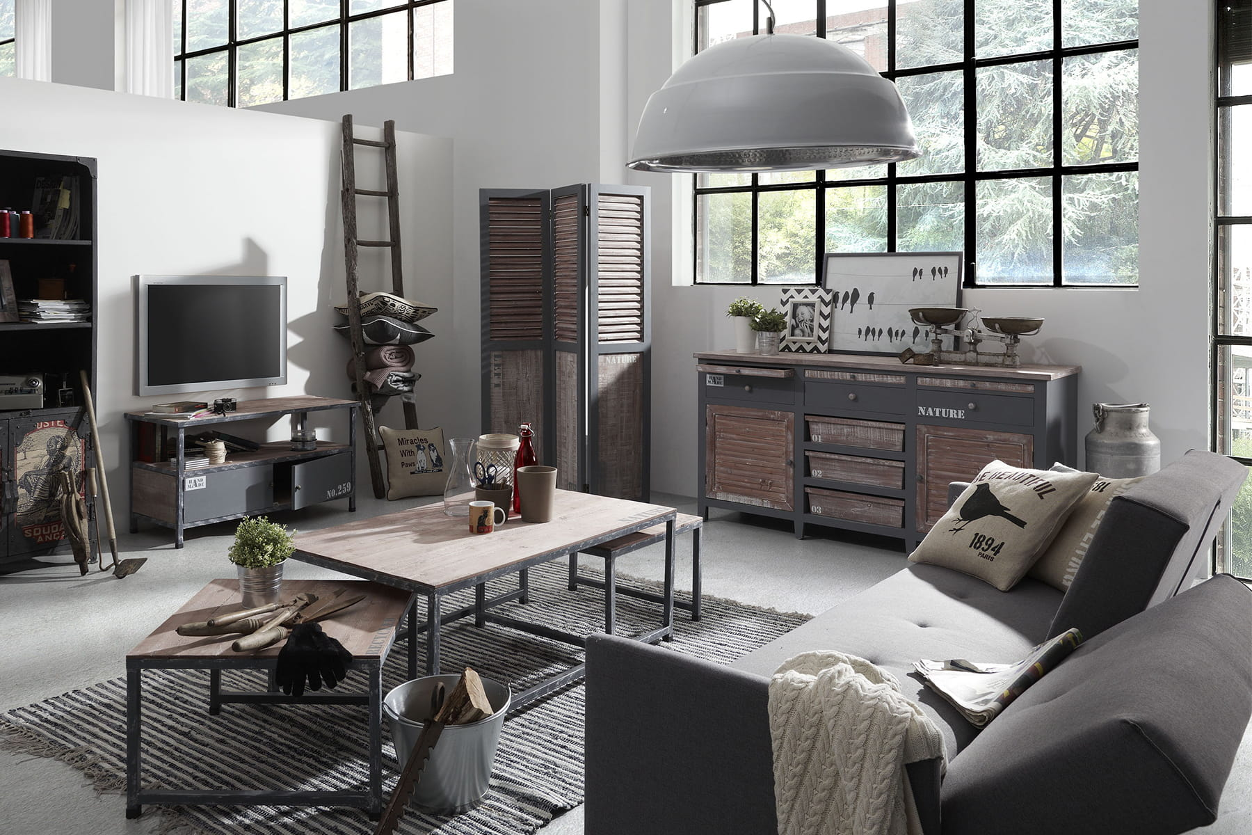 une suspension en m tal pour un style industriel. Black Bedroom Furniture Sets. Home Design Ideas