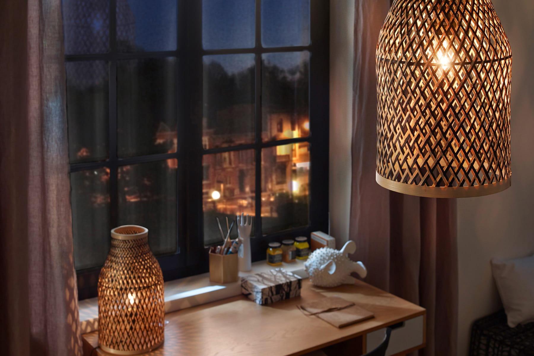 une lampe en bambou pour une ambiance nature des luminaires dans l 39 air du temps linternaute. Black Bedroom Furniture Sets. Home Design Ideas