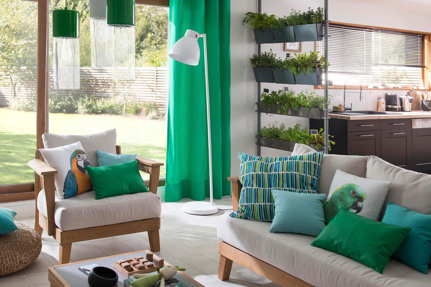 un fauteuil simple et confortable beaux et confortables. Black Bedroom Furniture Sets. Home Design Ideas