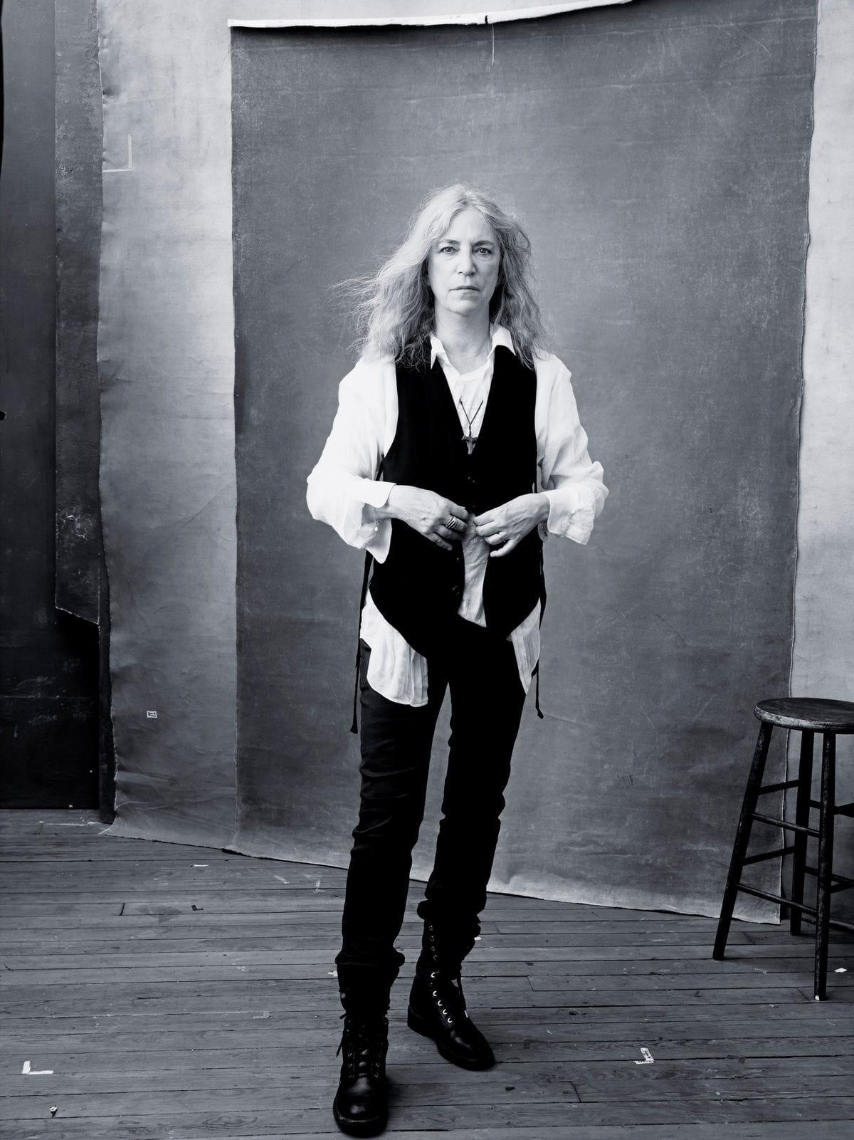 patti smith l gende vivante du rock calendrier pirelli date de sortie les premi res photos. Black Bedroom Furniture Sets. Home Design Ideas