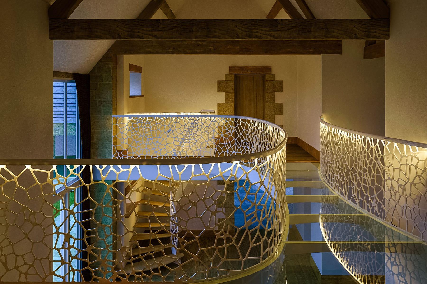 un garde corps modulable des escaliers tonnants qu 39 on. Black Bedroom Furniture Sets. Home Design Ideas