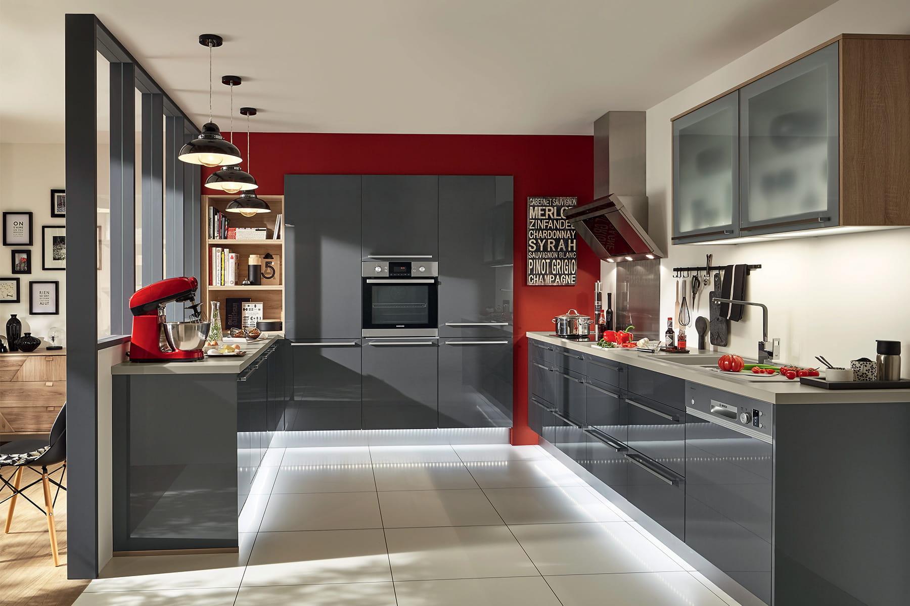 Cr er l 39 illusion d 39 une pi ce part enti re des cuisines for Creer sa cuisine conforama