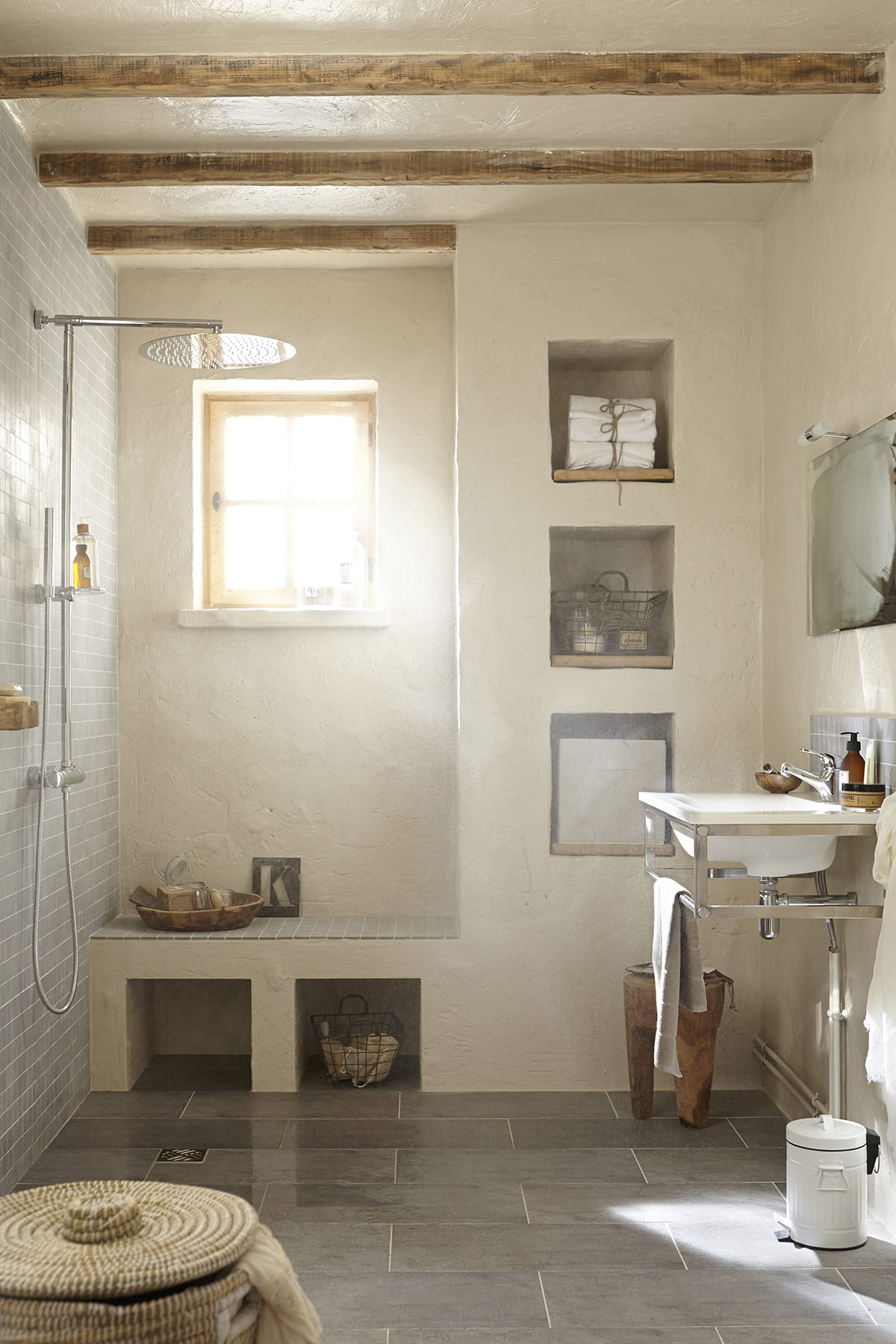 Une salle d 39 eau rustique - Salle d eau leroy merlin ...