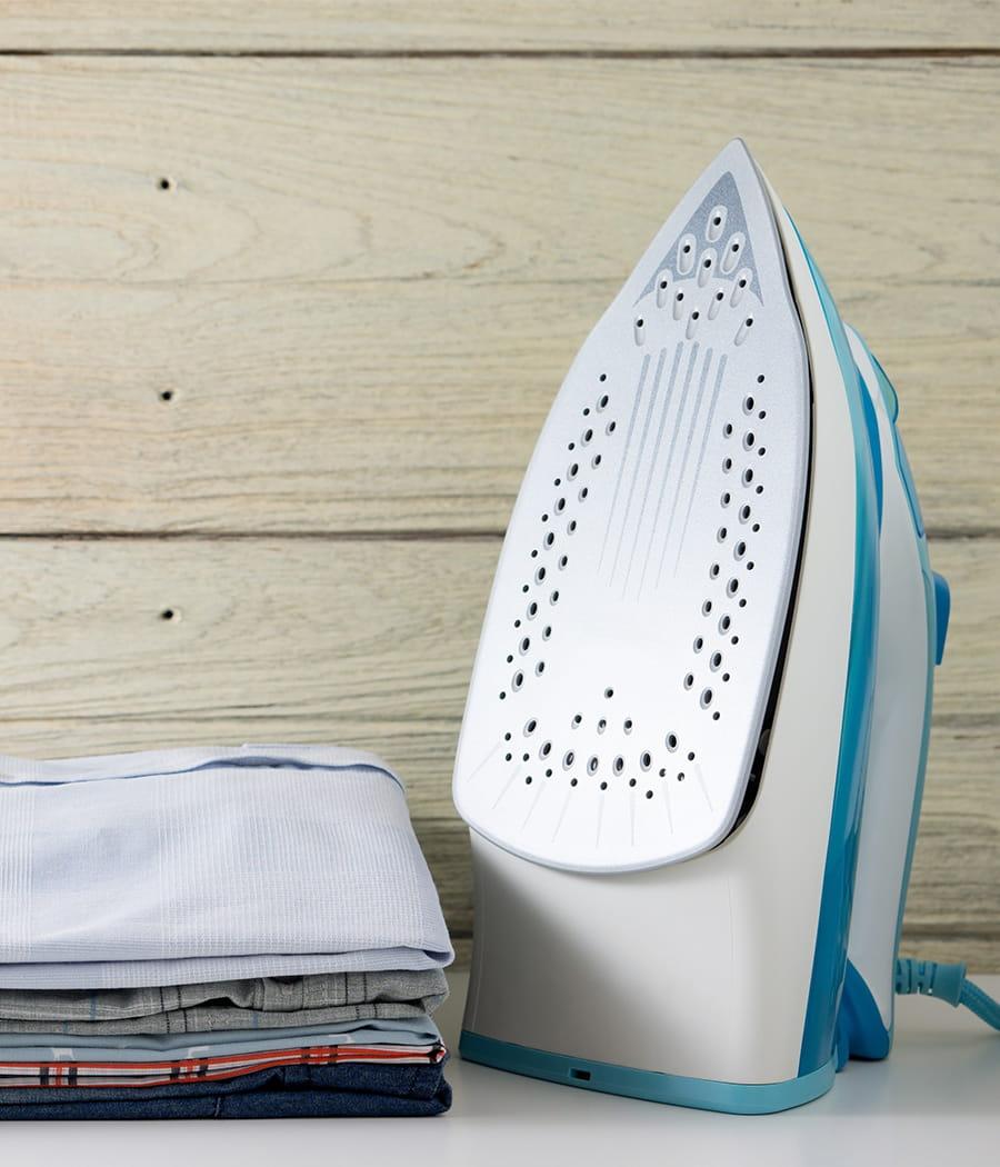 Nettoyer la semelle de son fer repasser des astuces pour entretenir vos a - Astuce pour nettoyer semelle fer a repasser ...