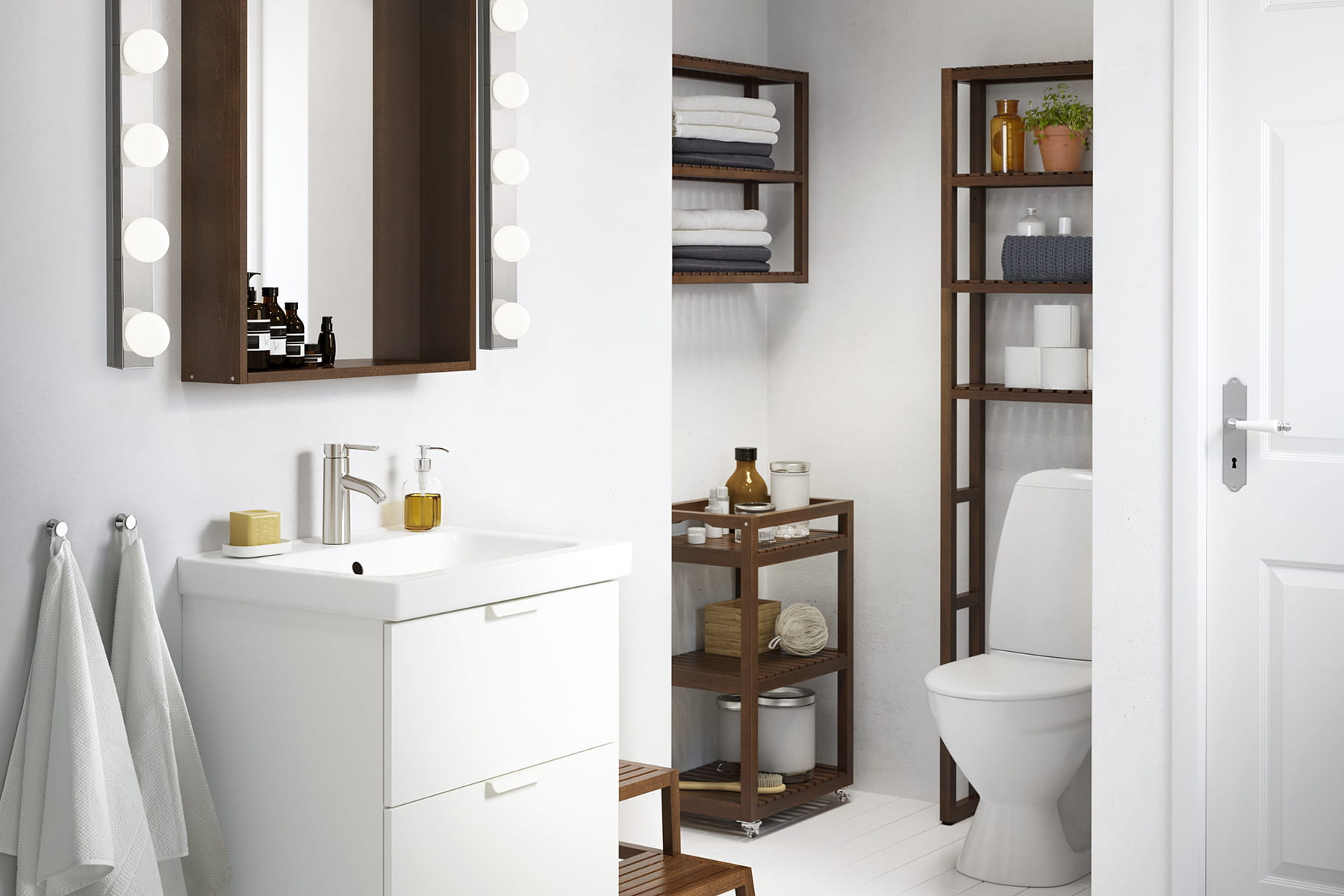 am nager une petite salle de bains. Black Bedroom Furniture Sets. Home Design Ideas