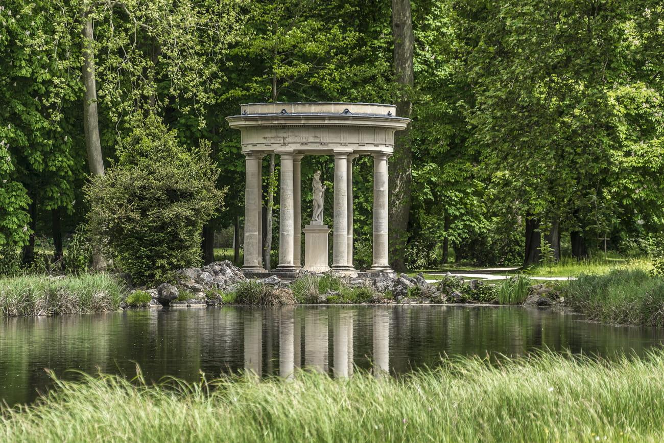 le jardin anglais du domaine de chantilly 25 merveilles du monde voir en france linternaute. Black Bedroom Furniture Sets. Home Design Ideas