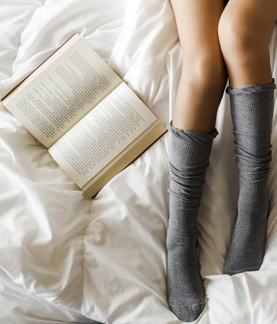 mettre des chaussettes pour dormir objectif mieux dormir 20 conseils pour la chambre. Black Bedroom Furniture Sets. Home Design Ideas