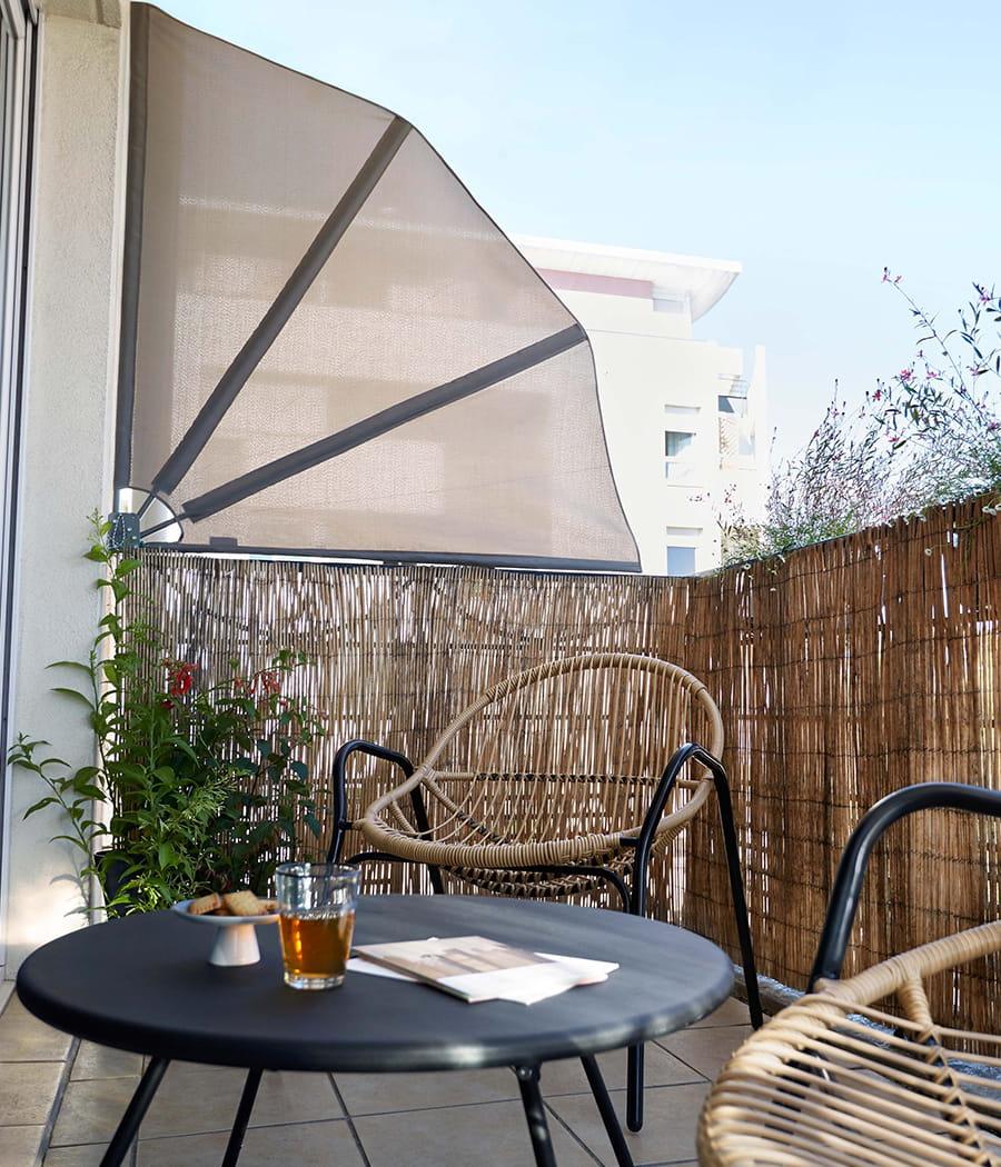 se prot ger du vis vis sur son balcon comment se prot ger de ses voisins 20 moyens. Black Bedroom Furniture Sets. Home Design Ideas