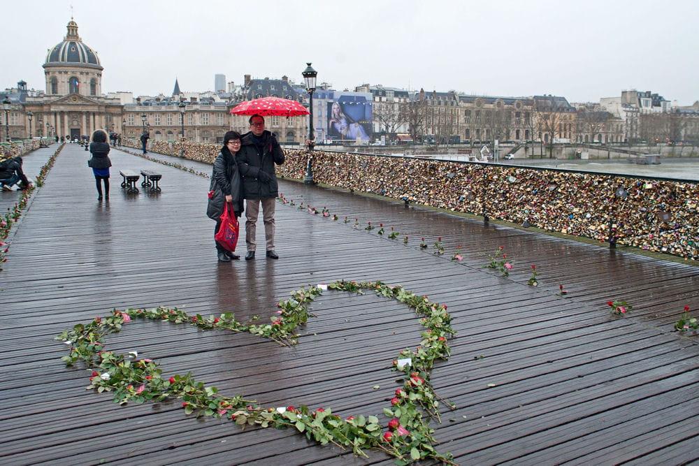 BONNE FETE DE LA SAINT VALENTIN  10240698-saint-valentin-2016-tout-savoir-sur-le-rendez-vous-des-amoureux