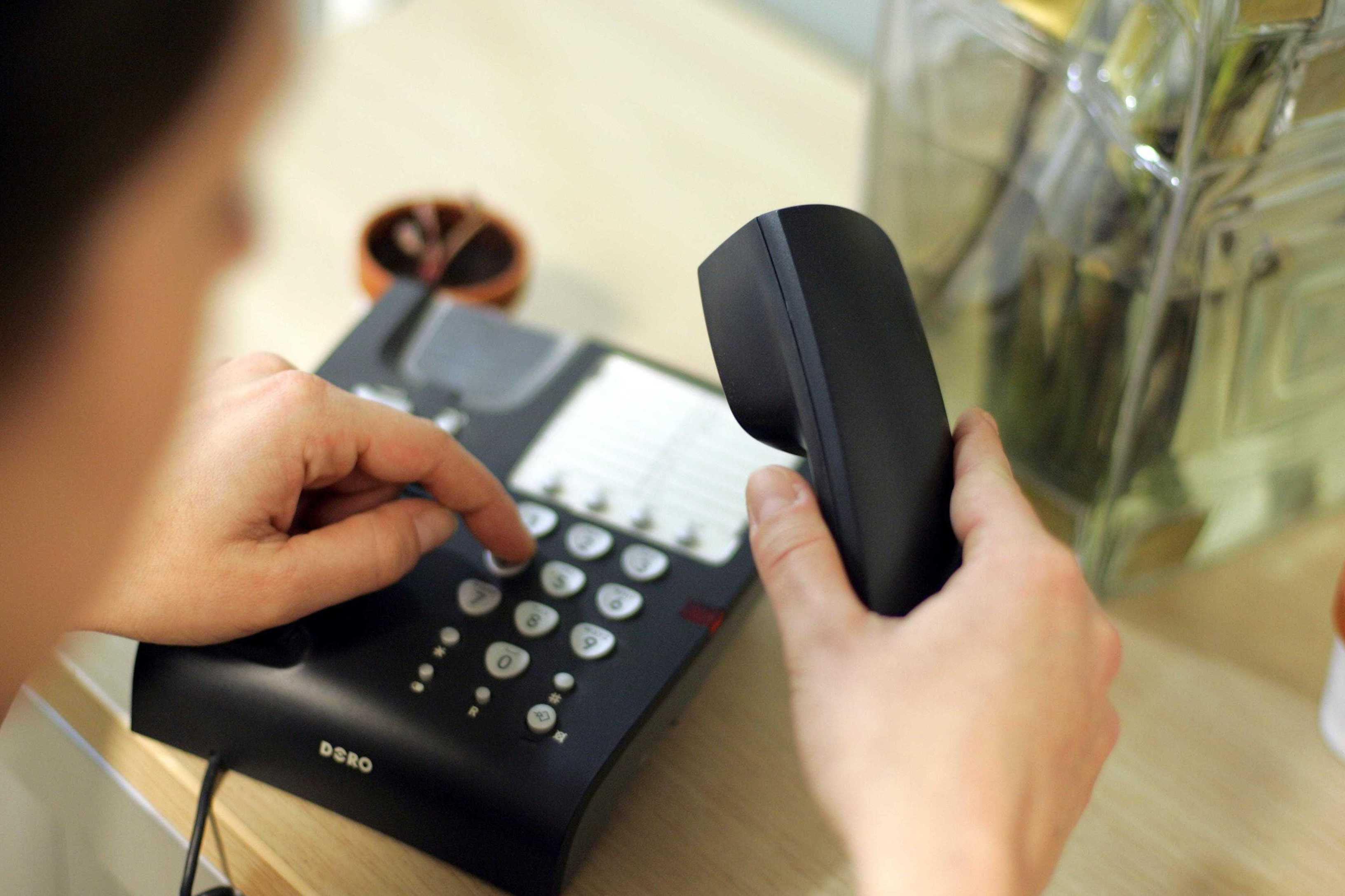actualite societe  fin du telephone fixe pas d inquietude si vous passez par une box