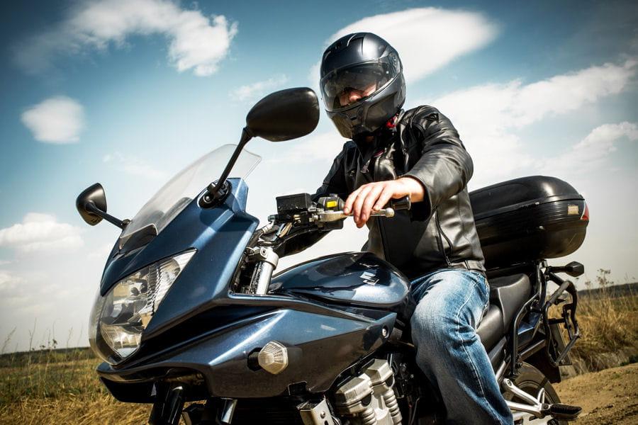 comment bien choisir son casque de moto prix tailles normes. Black Bedroom Furniture Sets. Home Design Ideas