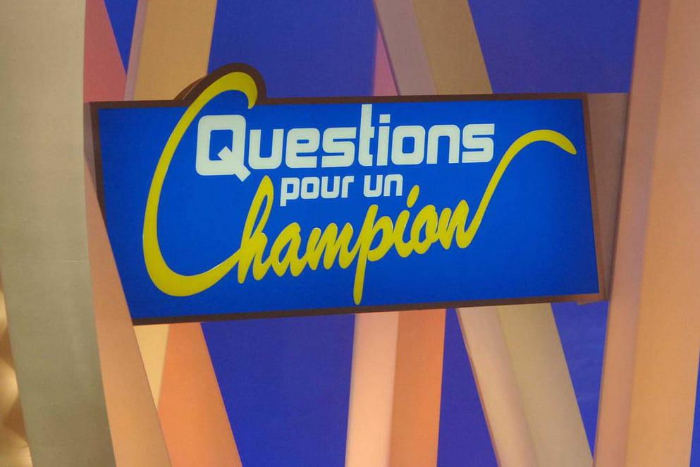 Questions pour un champion la premi re de samuel for Decor question pour un champion