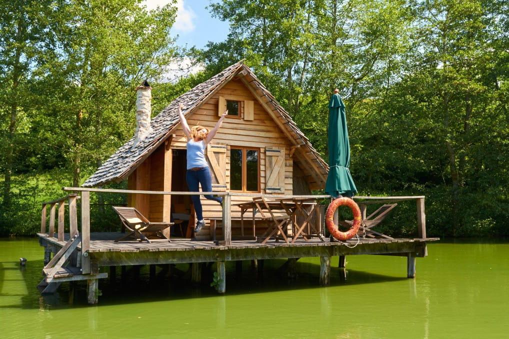 sur pilotis dans le morvan 15 locations airbnb insolites en france linternaute. Black Bedroom Furniture Sets. Home Design Ideas