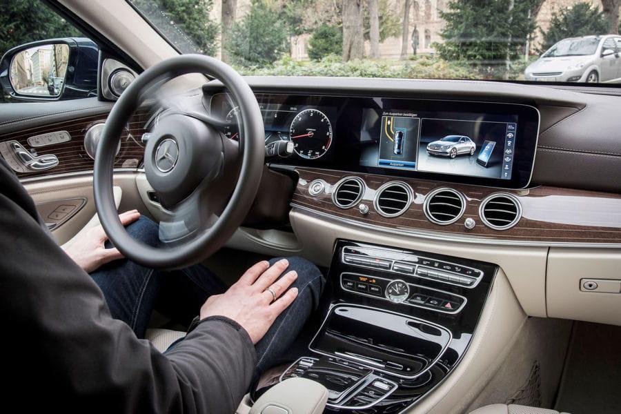 conduite autonome a y est c 39 est presque autoris linternaute. Black Bedroom Furniture Sets. Home Design Ideas