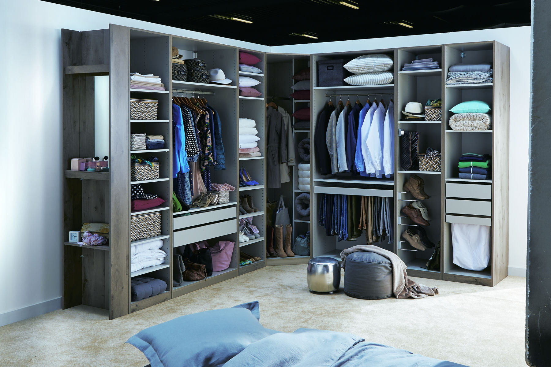 les 21 commandements pour bien organiser son dressing. Black Bedroom Furniture Sets. Home Design Ideas