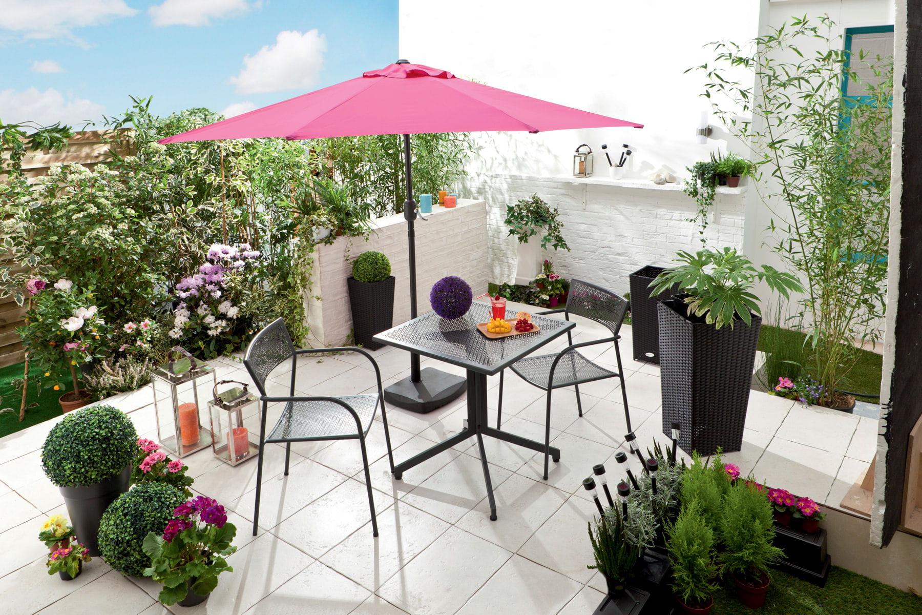 un parasol droit pour la terrasse des parasols pour. Black Bedroom Furniture Sets. Home Design Ideas