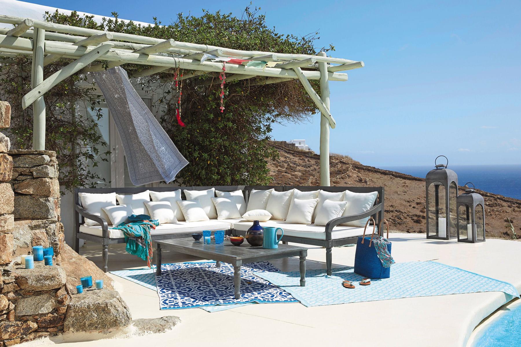 des tapis pour sublimer la terrasse balcons et terrasses des id es d co pour en profiter. Black Bedroom Furniture Sets. Home Design Ideas
