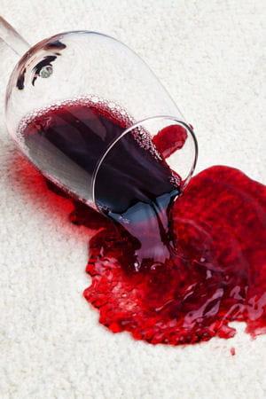 Enlever une tache de vin rouge sur un tissu - Enlever une tache de vin rouge ...
