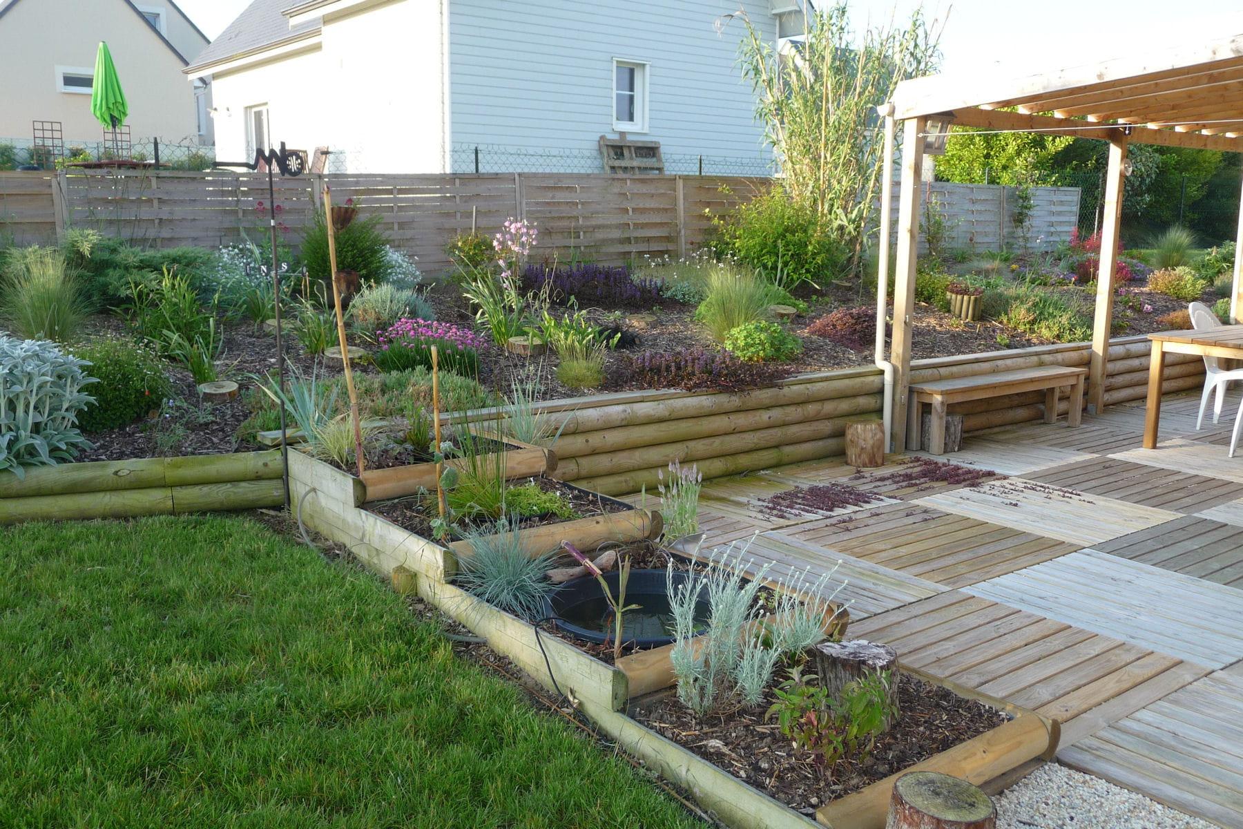 un jardin avec un syst me aquaponique les plus beaux jardins de nos lecteurs linternaute. Black Bedroom Furniture Sets. Home Design Ideas