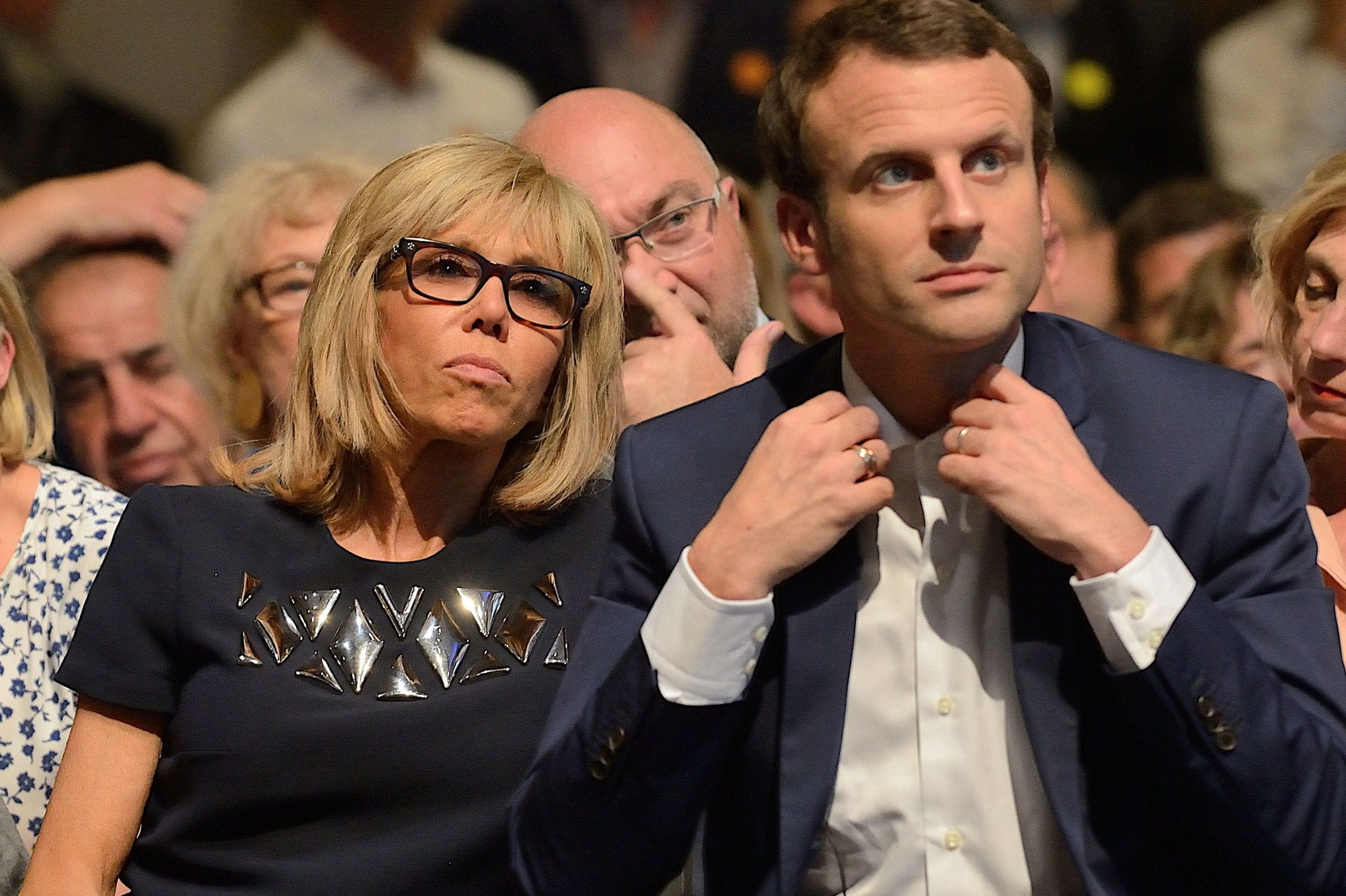 emmanuel macron le pr sident et sa femme brigitte la premi re dame l 39 amour n 39 a pas d 39 ge 18. Black Bedroom Furniture Sets. Home Design Ideas