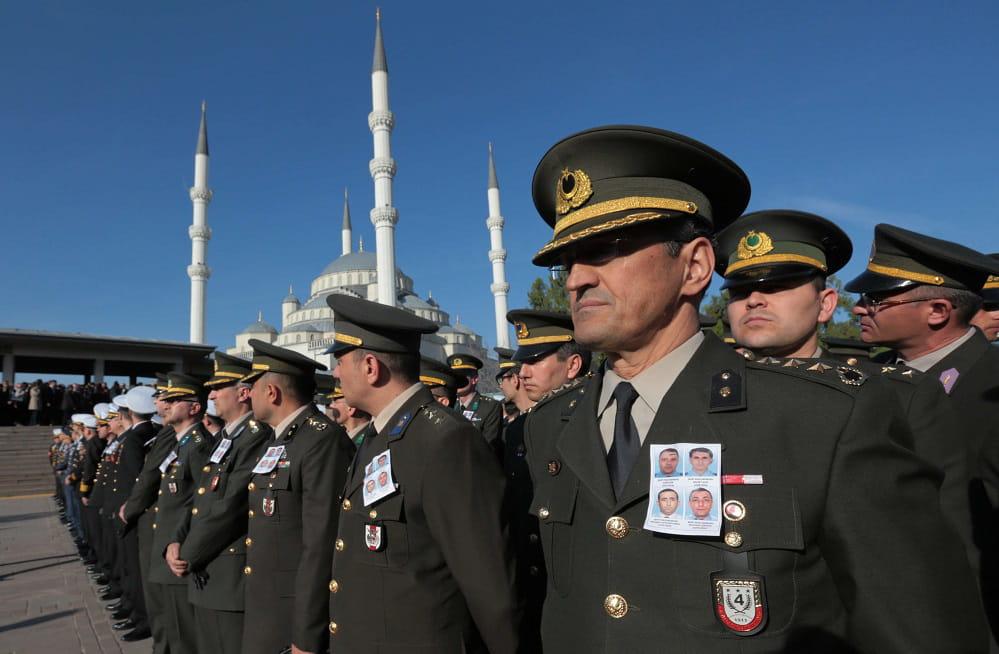 10345820-coup-d-etat-militaire-en-turquie-les-francais-confines-chez-eux.jpg