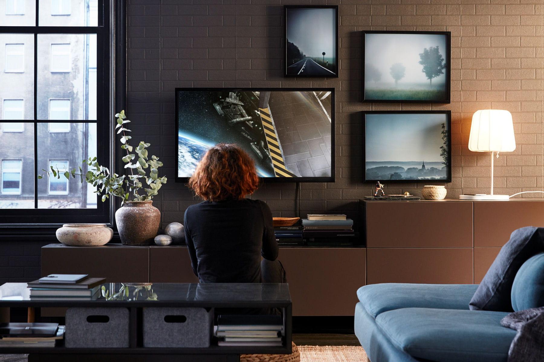 un salon d cor avec soin ikea nos premiers coups de coeur dans le catalogue 2017 linternaute. Black Bedroom Furniture Sets. Home Design Ideas
