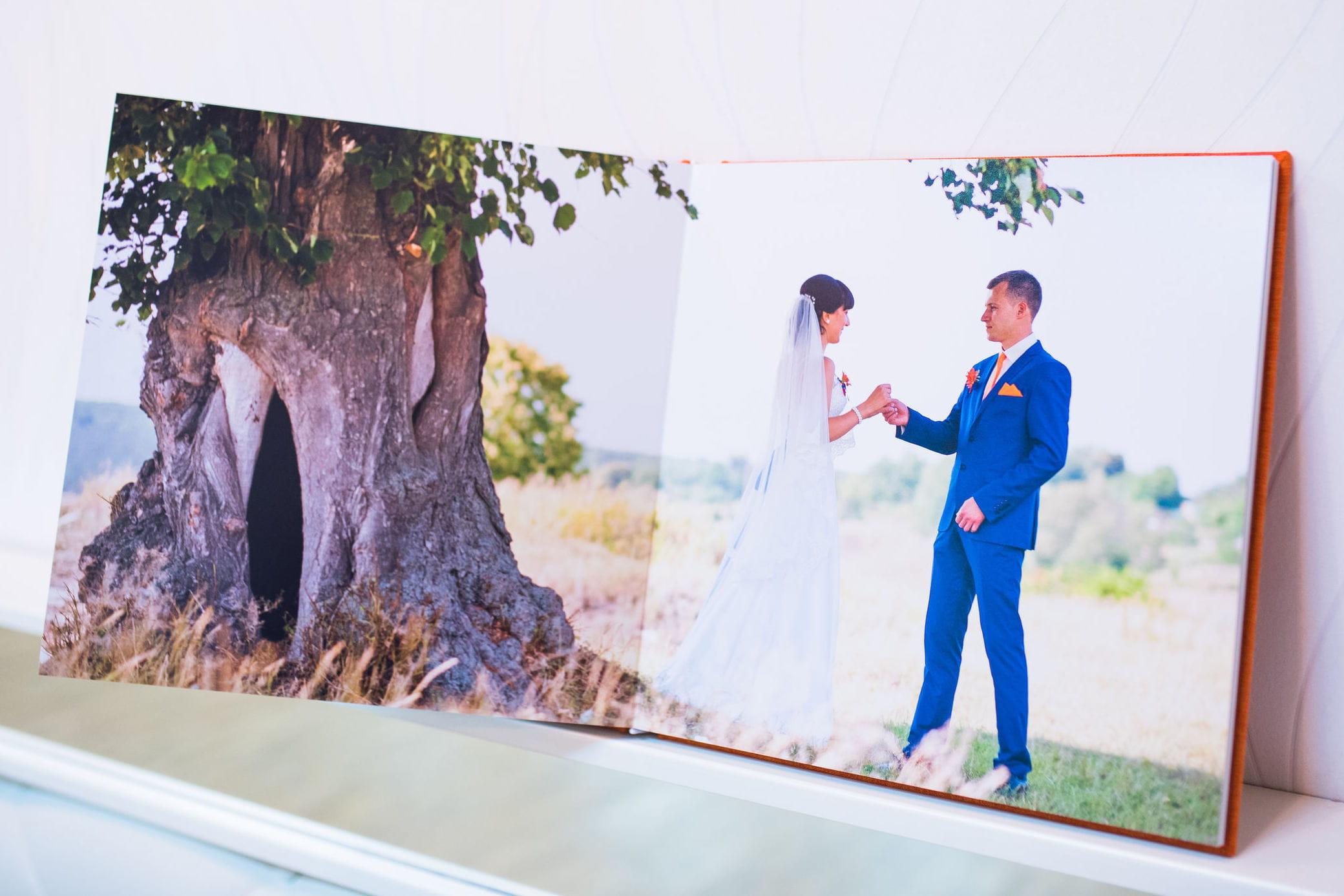 livre photo personnalis pour un mariage pas cher ou gratuit linternaute. Black Bedroom Furniture Sets. Home Design Ideas