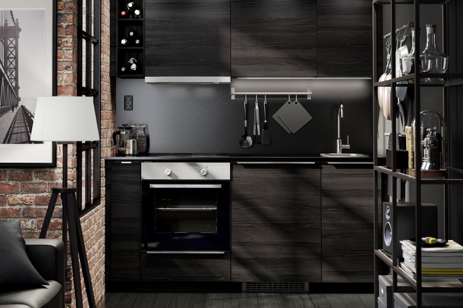 une cuisine noire cuisine ikea 2017 des cuisines qui donnent envie de mitonner linternaute. Black Bedroom Furniture Sets. Home Design Ideas