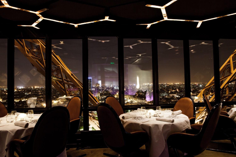 Restaurant de la tour eiffel offrez vous le jules verne - Restaurant dans la tour eiffel ...