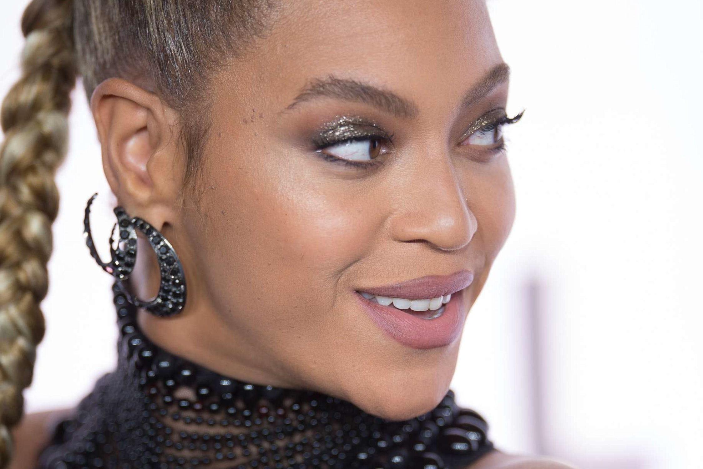 Beyoncé se blesse en plein concert !