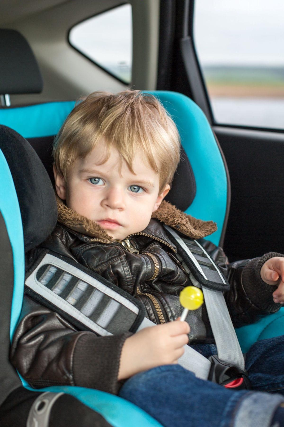 Comment enlever des taches de chewing gum sur des si ges de voiture des astuces pour - Nettoyer tache siege voiture ...