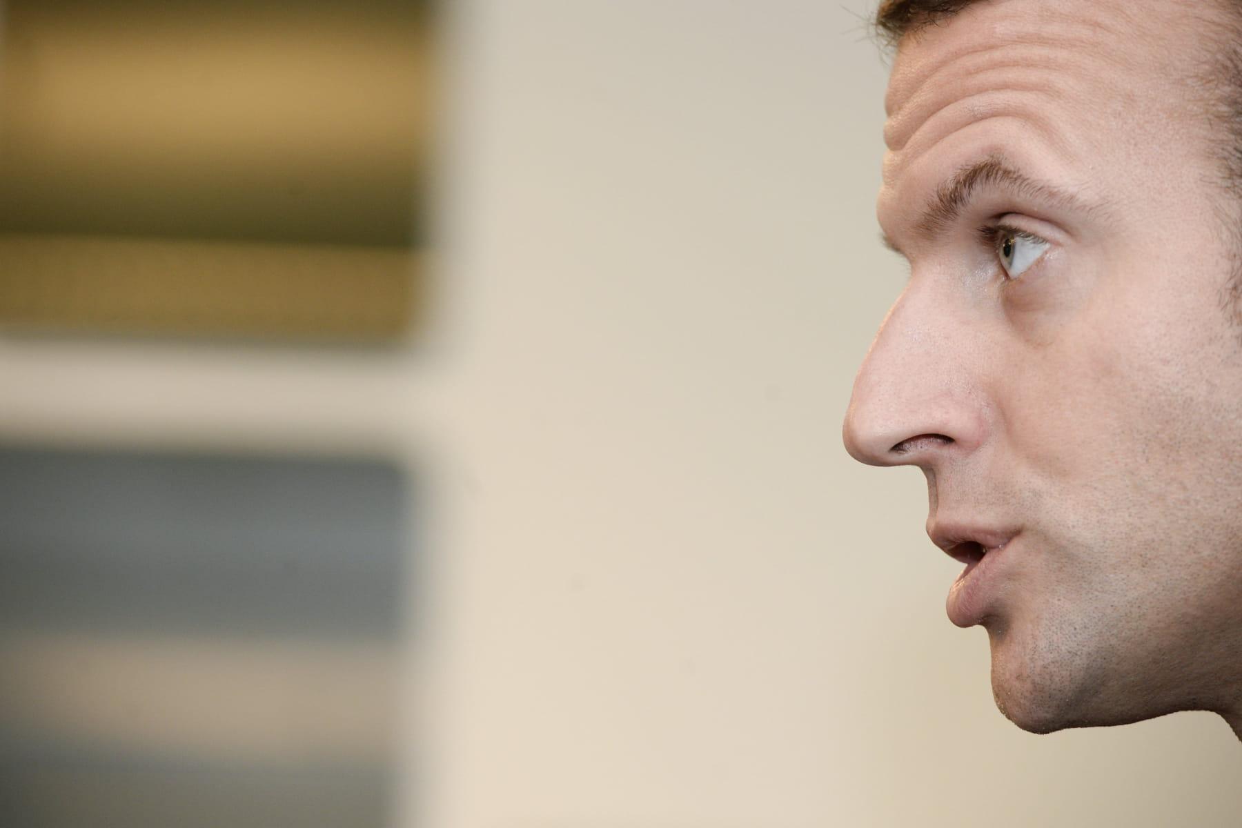 Emmanuel Macron homosexuel : la rumeur démentie de manière ...