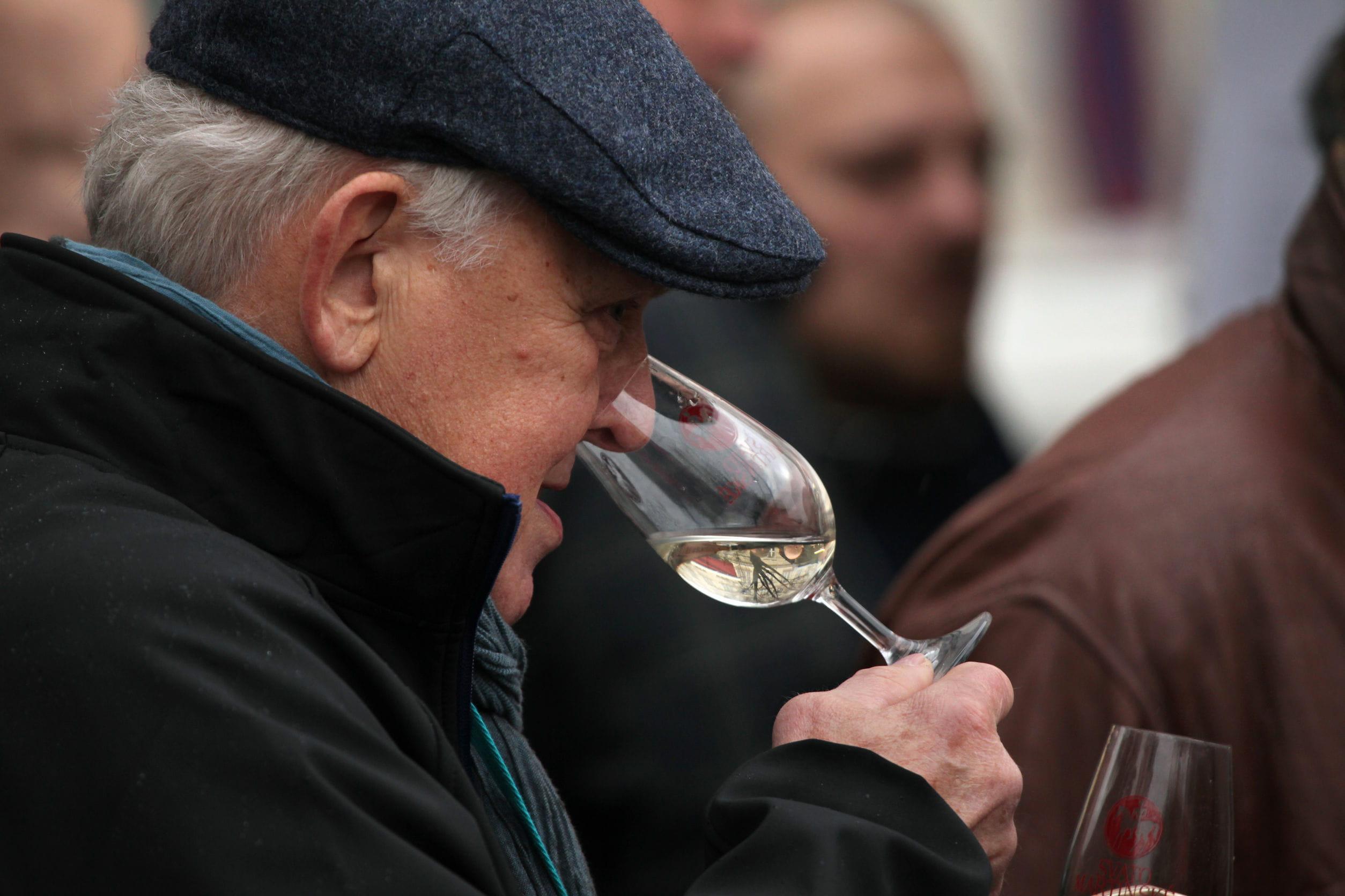 Beaujolais nouveau d 39 o vient ce vin et comment le f ter date prix - D ou vient la moisissure sur les murs ...