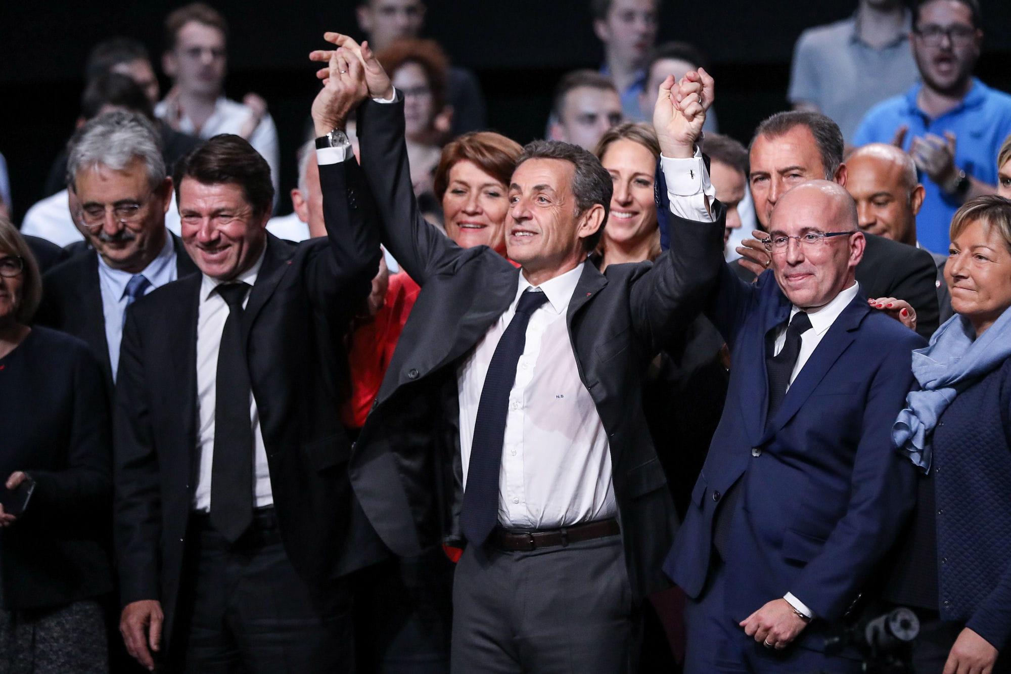 Primaire à droite: place au duel entre Fillon et Juppé