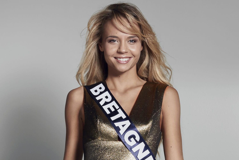 Miss France 2017 : les 30 candidates décollent pour la Réunion